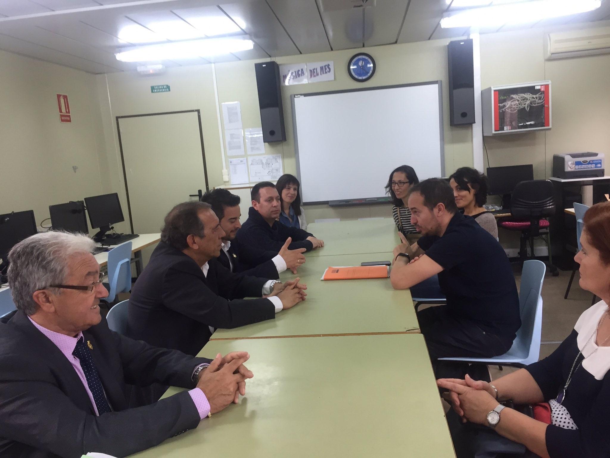 El Secretario Autonómico de Educación e Investigación de la Consellería visita Loriguilla