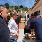 Los asistentes disfrutaron de una buena paella valenciana