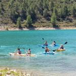 Muchos jóvenes optaron por hacer una excursión en kayak