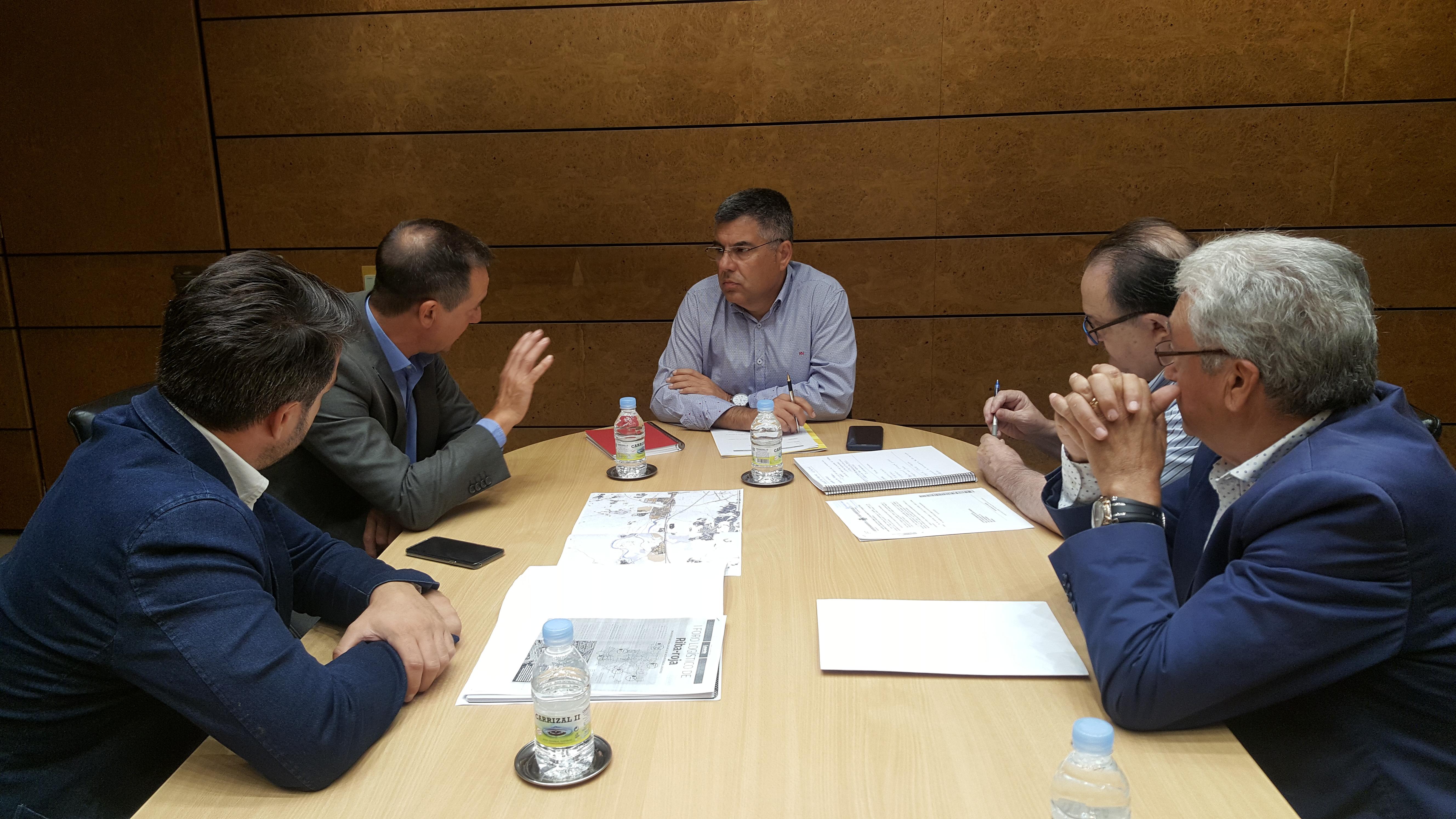 Los municipios del Eje A3 trasladan al delegado del Gobierno las infraestructuras necesarias para impulsar la zona industrial