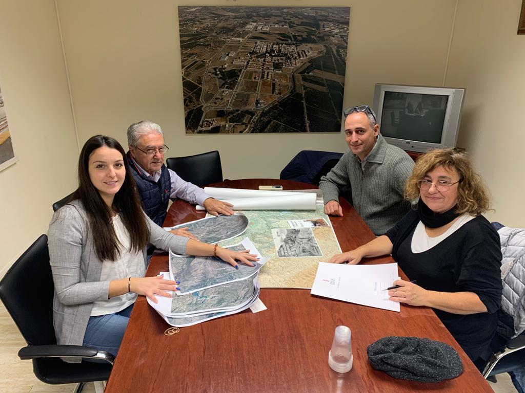Loriguilla presenta a Turisme Comunitat Valenciana un proyecto para la creación de rutas en el Pueblo Viejo