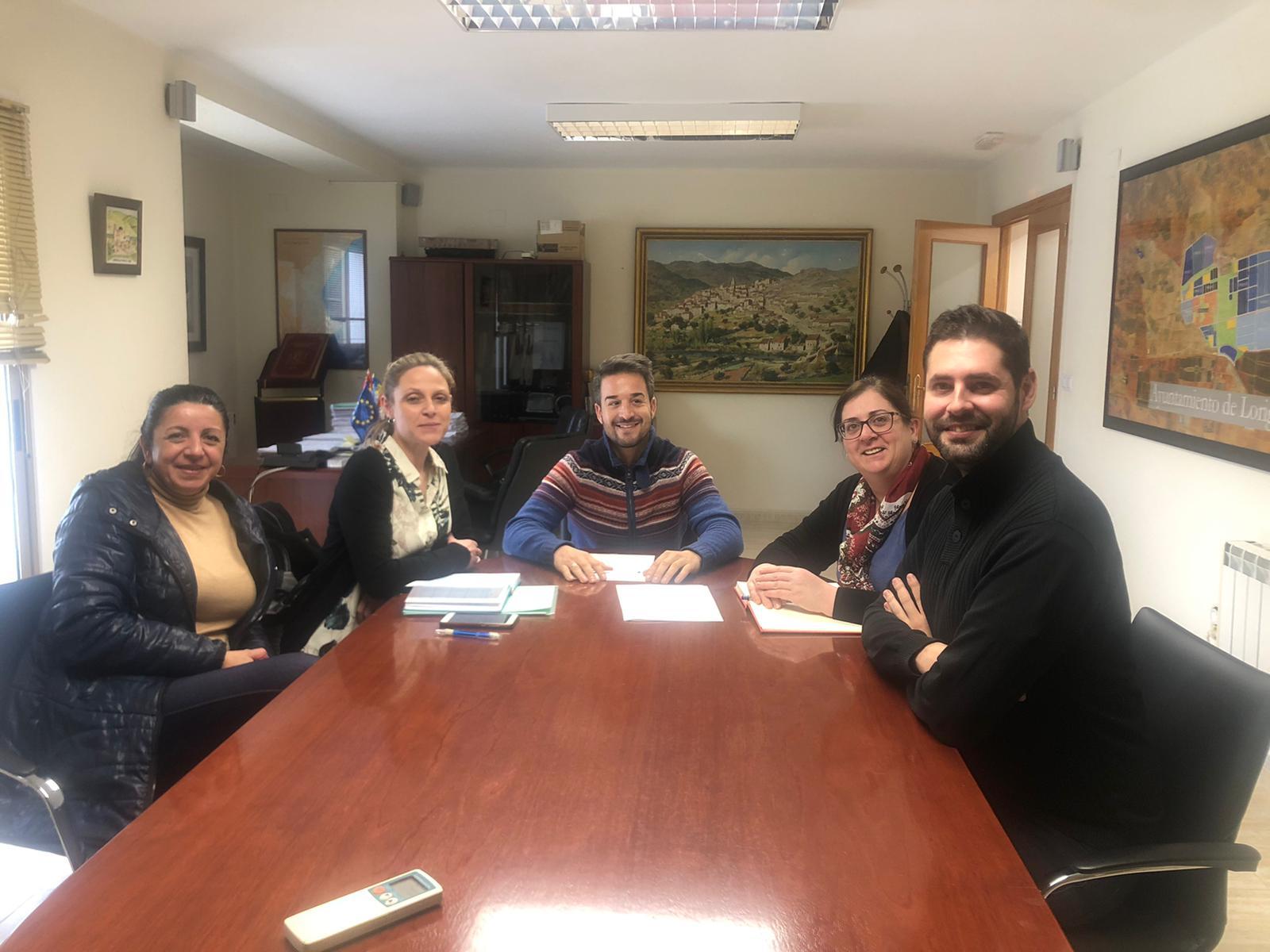 El Ayuntamiento de Loriguilla mantiene una reunión de trabajo con la Falla para coordinar la agenda de fiestas