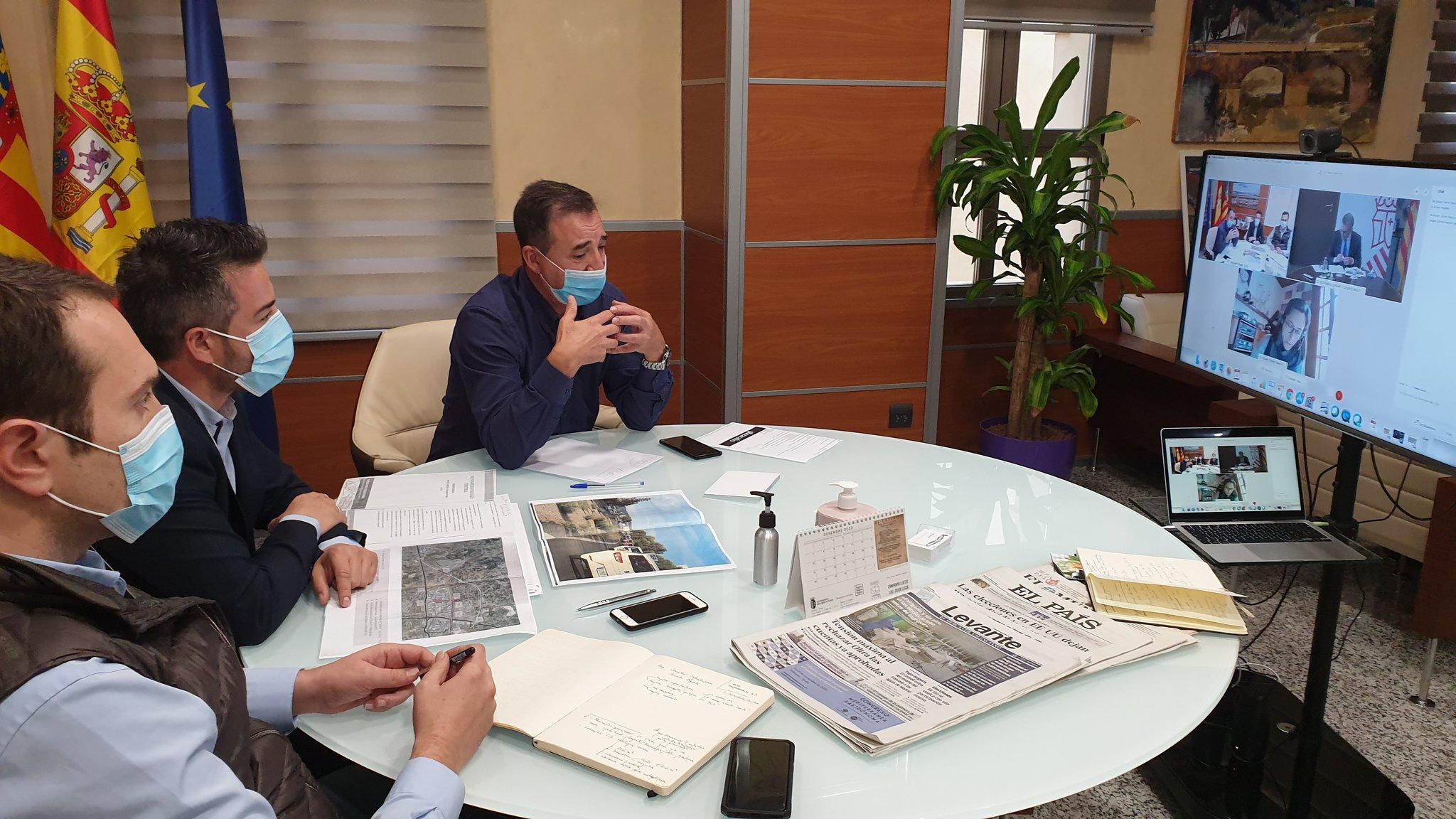 El alcalde de Loriguilla se reúne con el Conseller de Política Territorial para plantear una renovación de las infraestructuras que mejore la actividad económica del área industrial