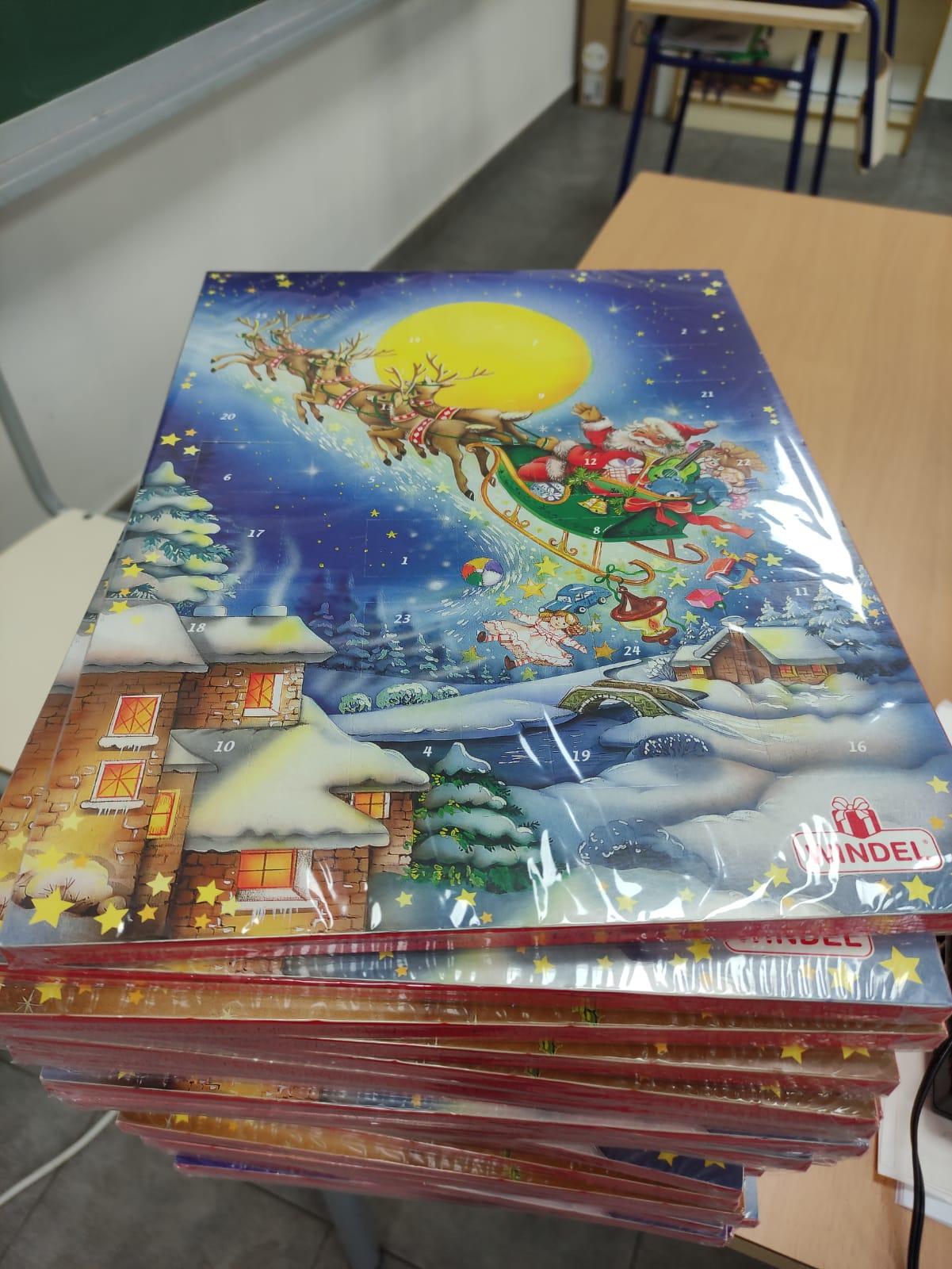 El Ayuntamiento de Loriguilla reparte calendarios de adviento a todos los niños y niñas de la localidad