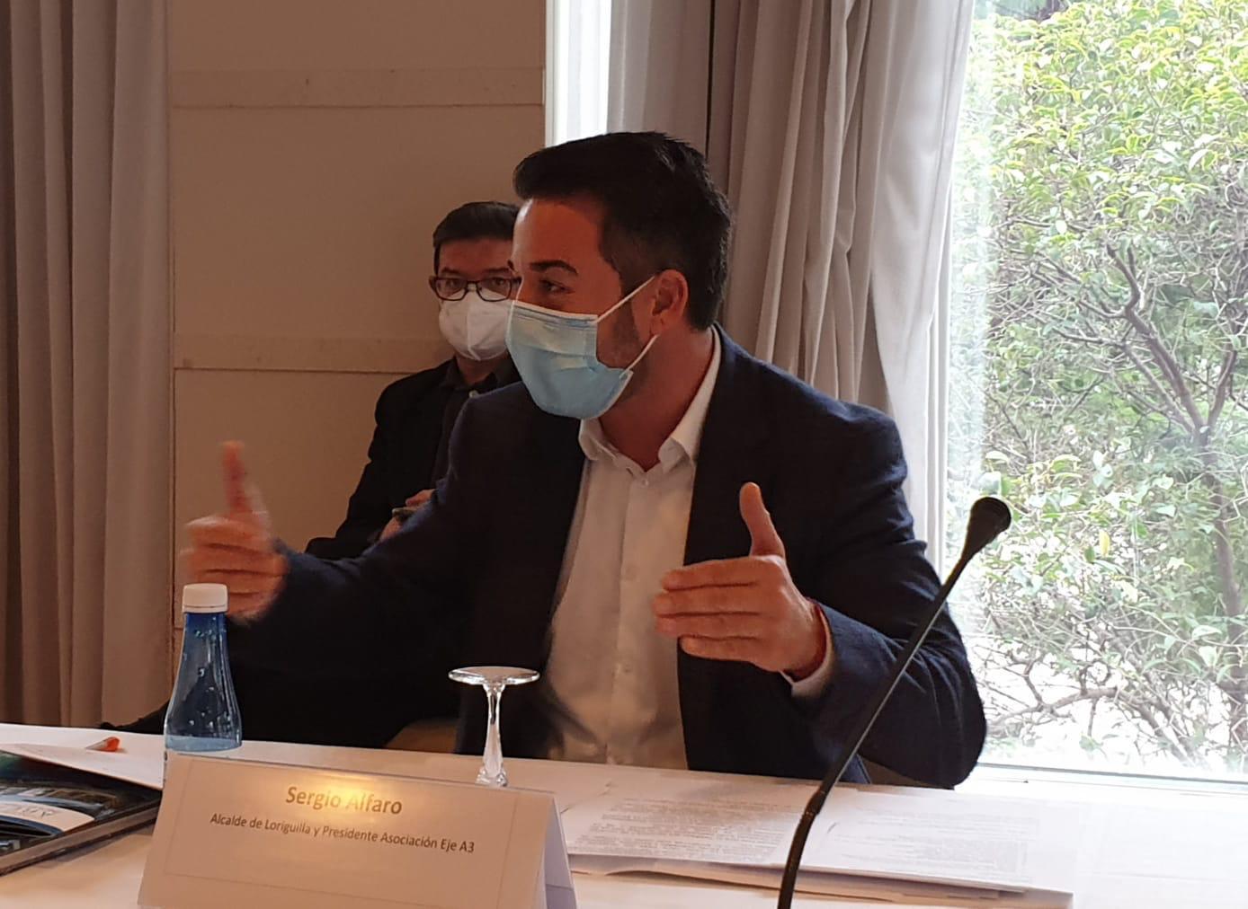 El alcalde de Loriguilla participa en el debate sobre Alianzas para un Desarrollo Industrial Estratégico de Valencia Plaza