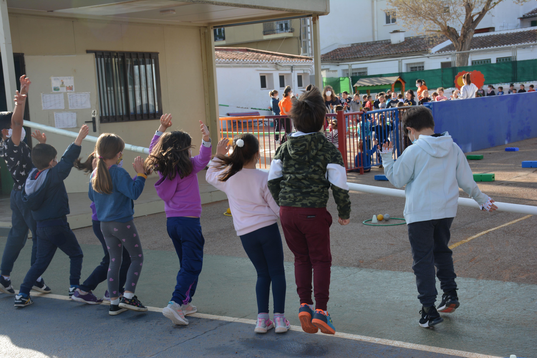 El CEIP Mozart de Loriguilla celebra el Día del Deporte con actividades lúdicas al aire libre