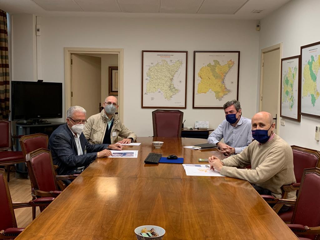 Loriguilla se reúne con la Confederación Hidrográfica del Júcar para continuar con las peticiones sobre su terreno