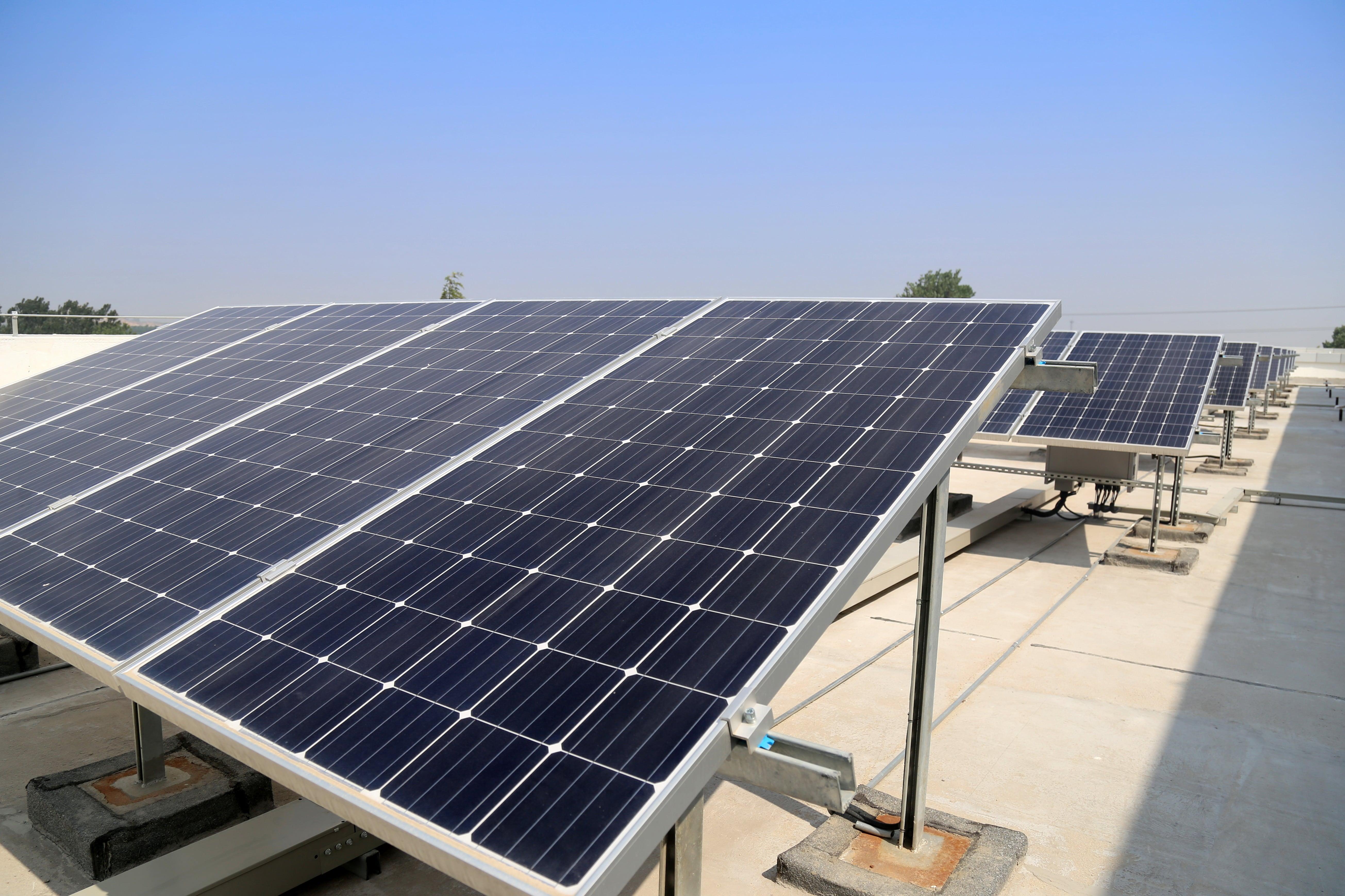 Loriguilla instalará placas fotovoltaicas en dos de sus edificios municipales