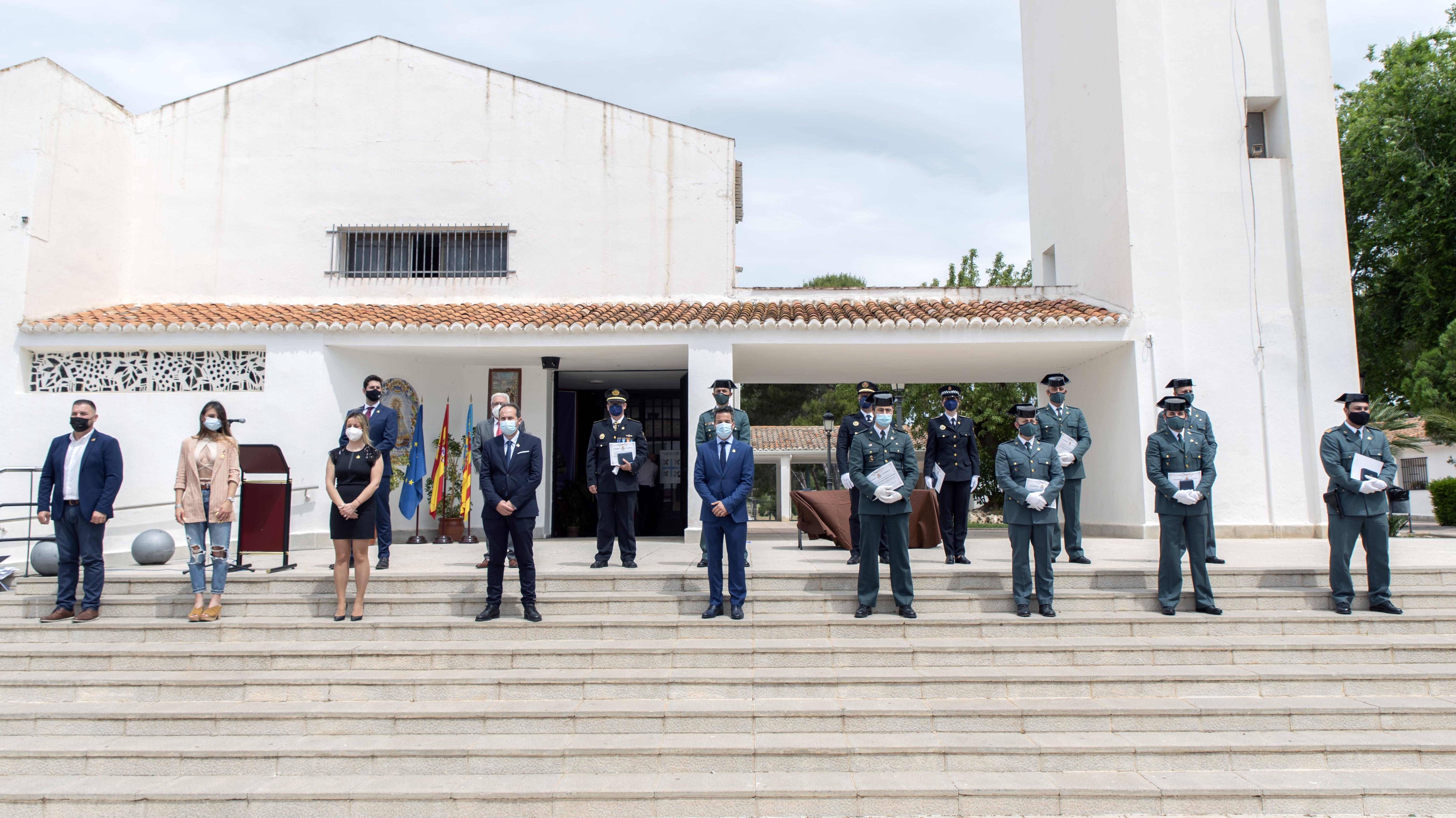 El Ayuntamiento de Loriguilla entrega las medallas de honor en su categoría de plata a los intervinientes de la operación Scooby