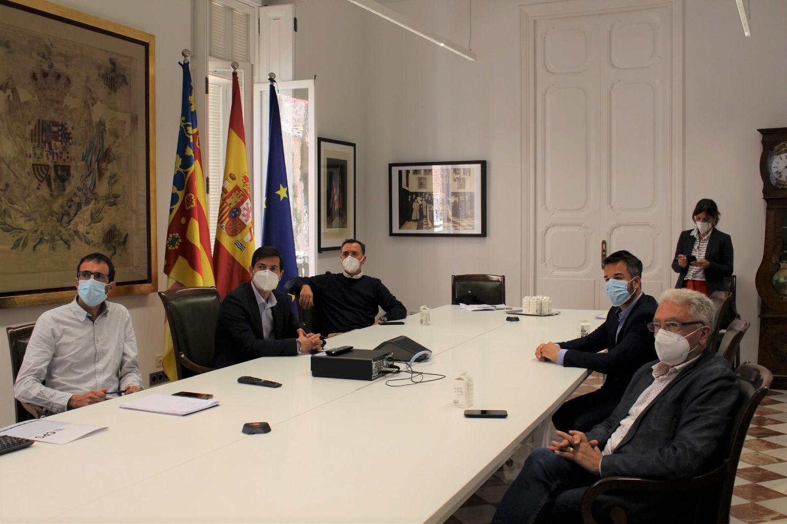 La Diputación de València presenta una propuesta para solucionar la congestión de tráfico en el puente y la rotonda de Loriguilla