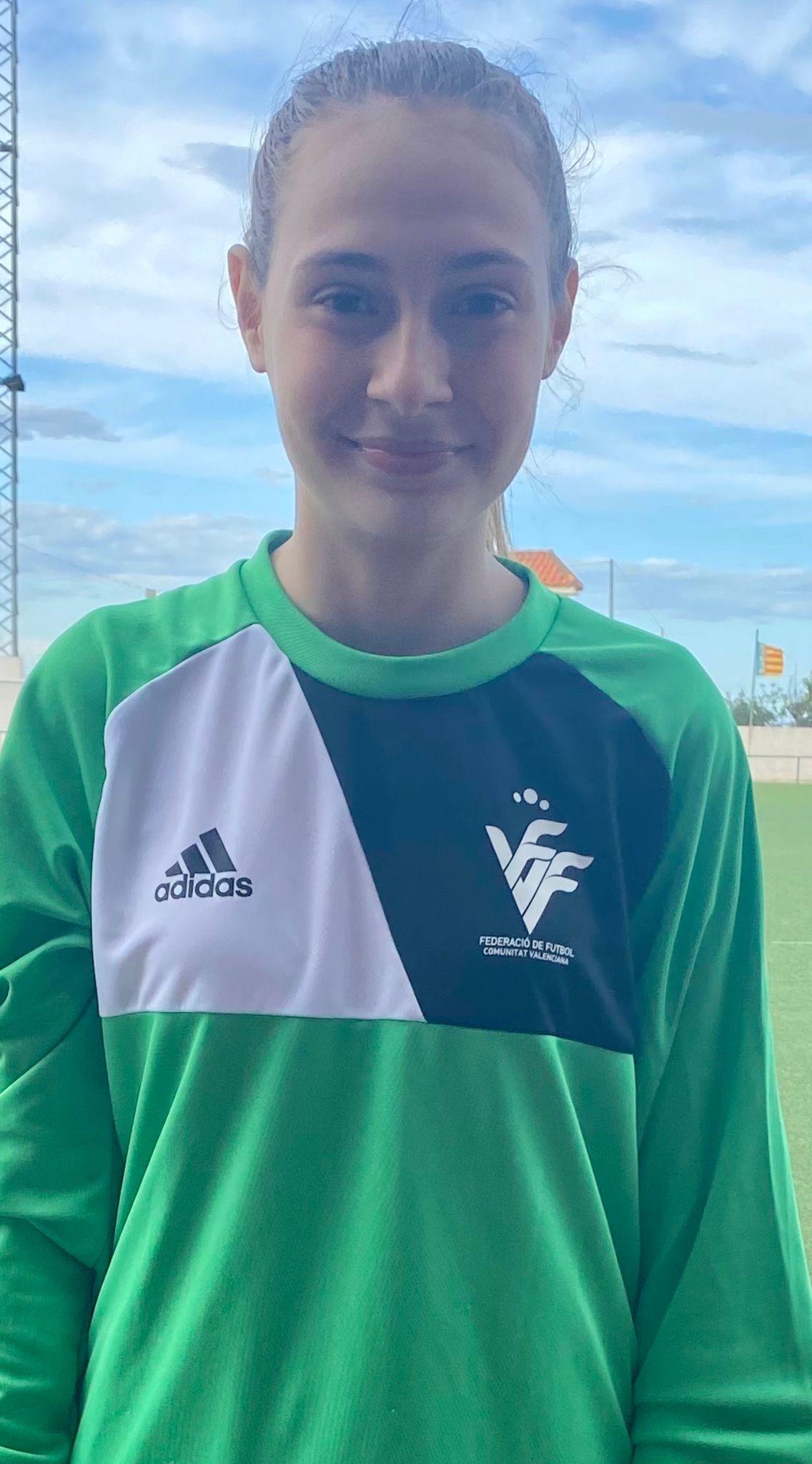 Nerea Agafitei, vecina de Loriguilla, convocada para un entrenamiento con la Selección Valenciana Valenta Sub-15 de fútbol