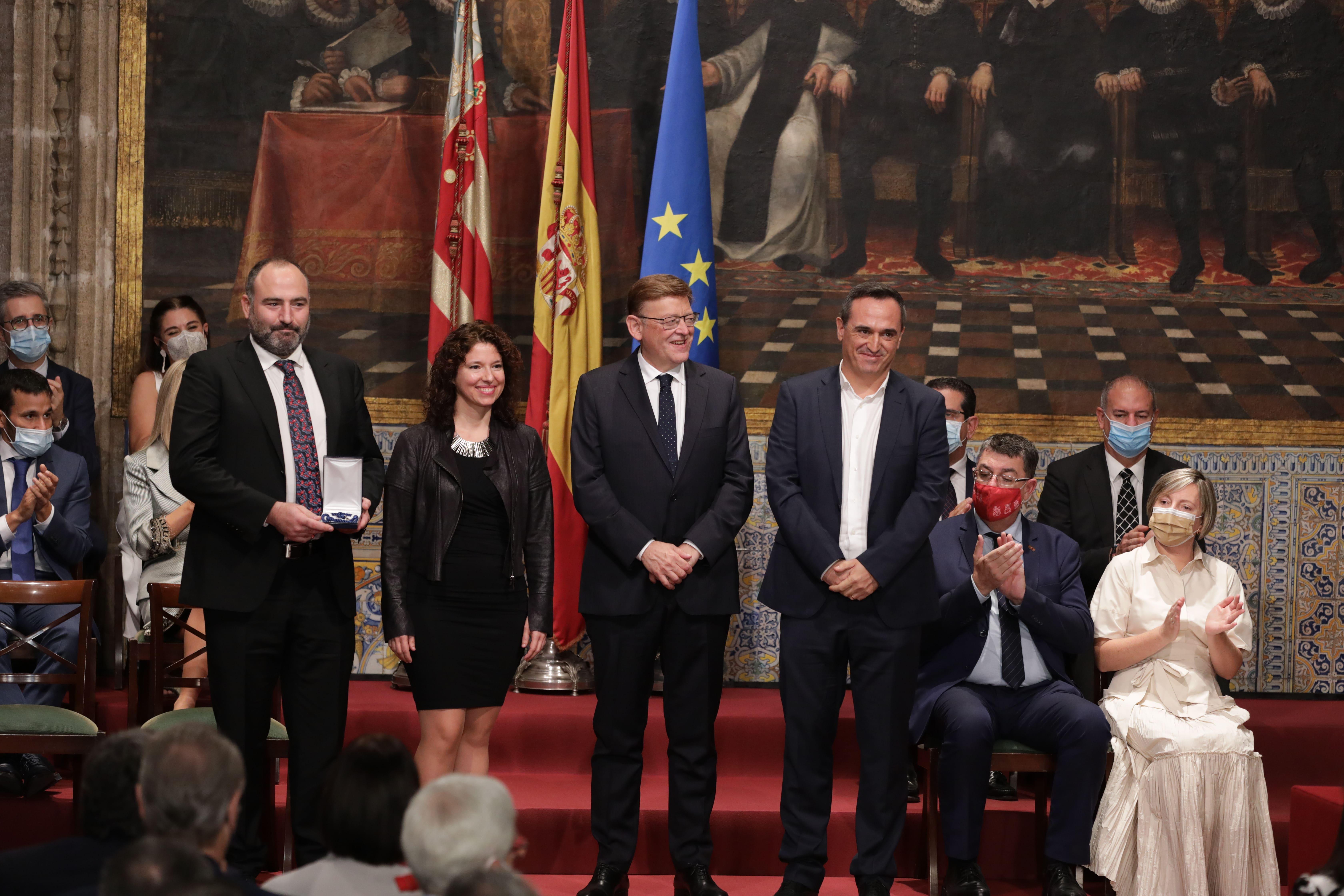 Josep Valero, vecino de Loriguilla y antiguo gestor cultural del Ayuntamiento recibe la distinción Lluís Vives en los premios 9 d'Octubre