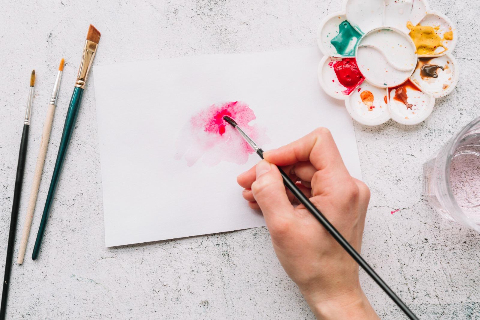 Loriguilla retoma las clases de pintura y manualidades
