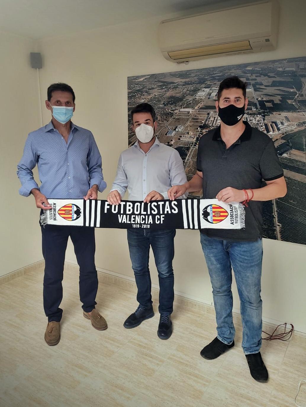 La Asociación de Futbolistas del Valencia CF abre escuela en Loriguilla